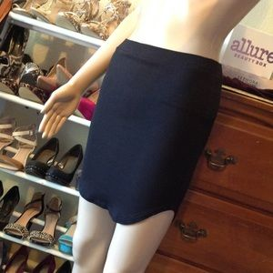 Set of two fitted skirts